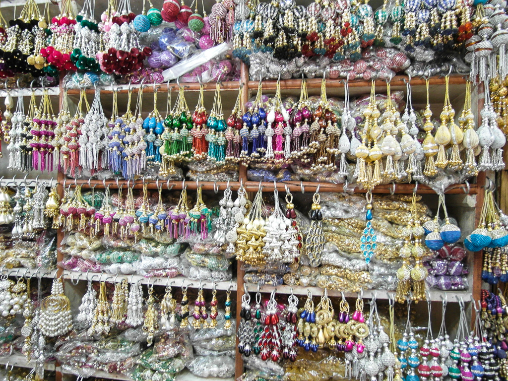 Enjoy Shopping Tour Agra Near Taj Mahal With Local Guide